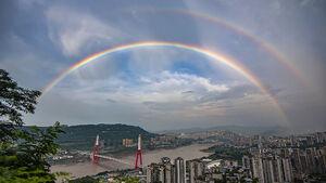 رنگین کمان زیبا در آسمان چین