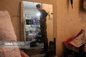 عکس/ بازداشت مالخر گوشیهای سرقتی
