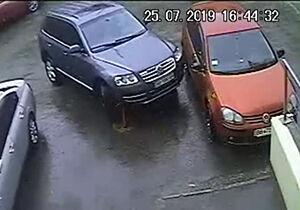 فیلم/ اصرار دیدنی راننده برای پارک خودرو!