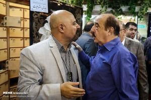 عکس/ چهرهها در مراسم ترحیم مرحوم حسین آهی
