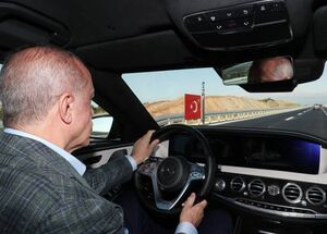 عکس/ رانندگی اردوغان در بزرگراه جدید استانبول