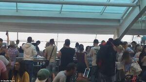 عکس/ وضعیت اسفناک فرودگاه لندن