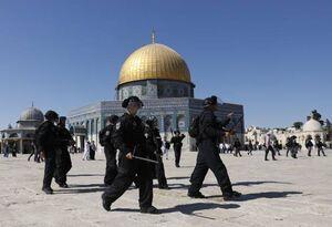 فیلم/ اقدام یهودیان به هتک حرمت مسجدالاقصی