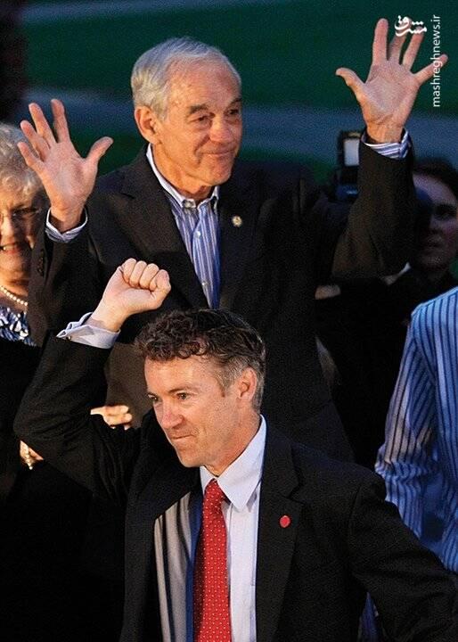 Image result for رند پال در کنار پدرش ران پال در تبلیغات انتخابات ریاستجمهوری