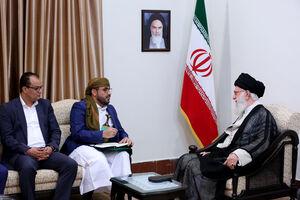 عکس/ دیدار سخنگوی جنبش انصارالله یمن و هیئت همراه با رهبر انقلاب اسلامی