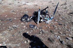 عکس/ سقوط هواپیمای فوقسبک در شرق تهران