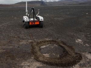 عکس/ کاوشگر مریخ در ایسلند آزمایش می شود