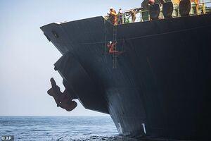 نفتکش ایرانی آزاد شد اما خفّت آن برای انگلیس ماند