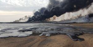 تصویر ماهواره ناسا از حمله یمنیها به تاسیسات نفتی عربستان/نفت سعودیها همچنان میسوزد