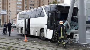 عکس/ حادثه برای اتوبوس توریستهای چینی در مسکو