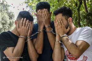 عکس/ بازداشت کیف قاپان خشن شرق تهران