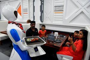 عکس/ رستوران روباتیک