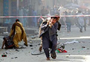 فیلم/ نخستین تصاویر از انفجار دو خمپاره در مسجدی در افغانستان