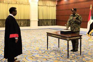 عکس/ رئیس شورای حاکمیتی سودان سوگند یادکرد