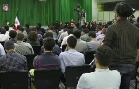 فیلم/ پاسخ رهبرانقلاب به انتقادات صریح یک نخبه