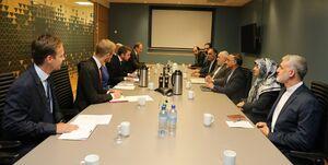 ظریف با وزیر صنعت نروژ ملاقات کرد