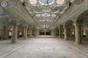 مفروش شدن ۲۰ هزار متر از صحن حضرت زهرا(س) برای زوار اربعین +عکس