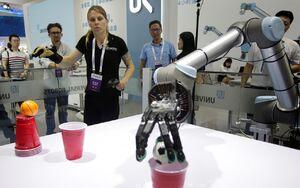عکس/ دورهمی رباتها در پکن
