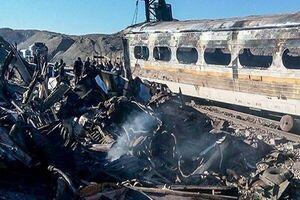 آتش سوزی واگنهای مسافری مهار شد