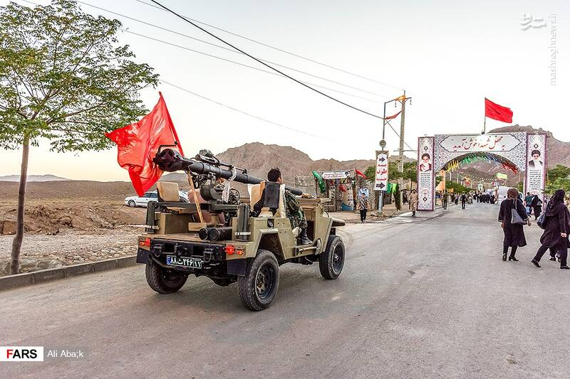 نمایش «ادوات نظامی» در سمنان