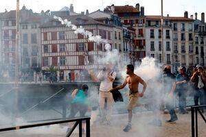 عکس/ تظاهرات و درگیری در یک قدمی نشست گروه ۷