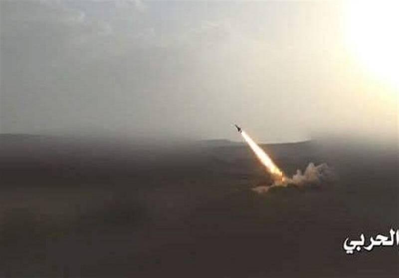 فیلم/حمله گسترده موشکی ارتش یمن به عربستان