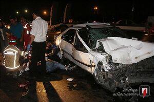 عکس/ تصادف شدید سه خودرو بایکدیگر در بزرگراه آزادگان