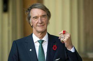 ثروتمندترین فرد انگلیس تیم فرانسوی را خرید