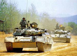 عکس/ سرباز آمریکایی سوار بر تانک روسی در کره