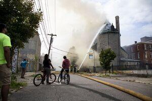 آتشسوزی در کلیسای ۱۱۵ ساله «فیلادلفیا» آمریکا
