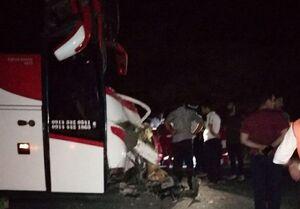 تصادف اتوبوس مسافربری باخودرو حمل بتن در محور الشتر- خرمآباد