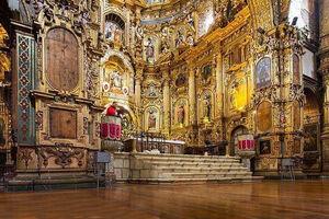 عکس/ تزیین کلیسا با ۷ تن طلا !