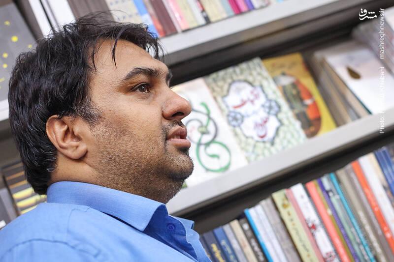 سید وحید مداح، مدیر سایت کتابخون و فعال در حوزه توزیع کتاب های انتشارات روایت فتح است. او مدیر انتشارات یقظه هم هست که بنا دارد در حوزه ادبیات و اعتقادات فعالیت کند.