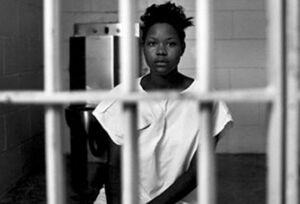 فیلم/ اتفاقی وحشتناک در زندان زنان آمریکا