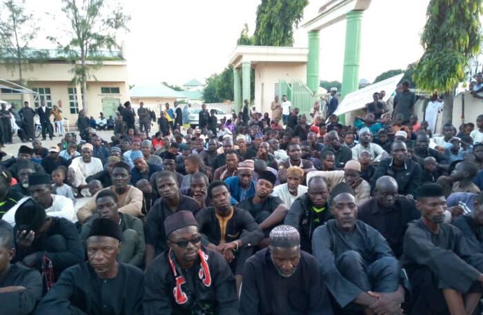 شیعیان نیجریه در سایه تهدیدات مراسم ماه محرم را برگزار میکنند/ آغاز تظاهرات روزانه در نیجریه برای آزادی شیخ زکزاکی