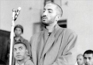 ماجرای گریههای شهید چمران روی مزار شهید نواب صفوی