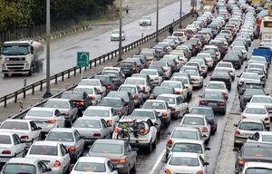 ترافیک پرحجم و روان در آزادراه تهران - کرج