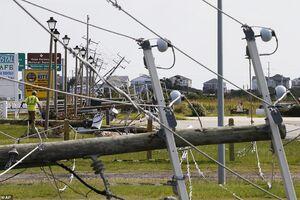 خسارت سنگین طوفان به دکل های برق در کارولینا