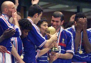 4 بازیکن باقی مانده از جام جهانی ۹۸ +عکس