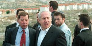 فرار نتانیاهو به پناهگاه در اثر شلیک راکتهای مقاومت +فیلم