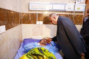 عيادت نخست وزير عراق از مجروحان حادثه کربلا