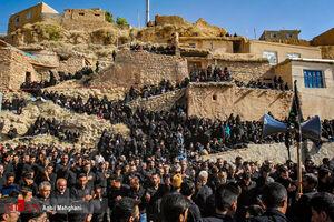 عزاداران حسینی در کوچه پس کوچه های مجن