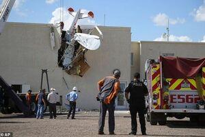 عکس/ سقوط یک هواپیمای سبک در ایالت آریزونای آمریکا
