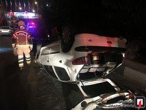 عکس/ واژگونی خودرو ۲۰۶ در بزرگراه امام علی(ع)