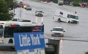 خسارت سیل به خودروها در تگزاس