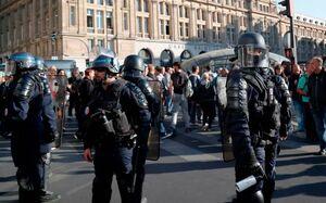 عکس/ بازداشت معترضان جلیقه زرد در پاریس