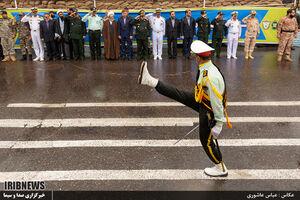 عکس/ اقدام زیبای مسئولان در رژه نیروهای مسلح