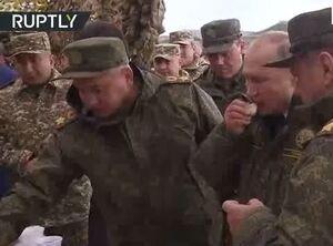 پوتین طعم غذای سربازان روسی را چشید