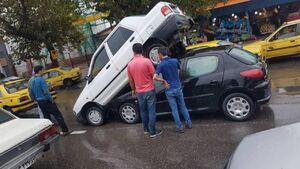 عکس/ عجیبترین تصادف پراید!