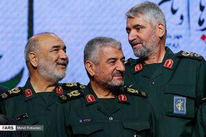 عکس/ حضور فرمانده سپاه در رونمایی از اسناد پژوهشی دفاع مقدس